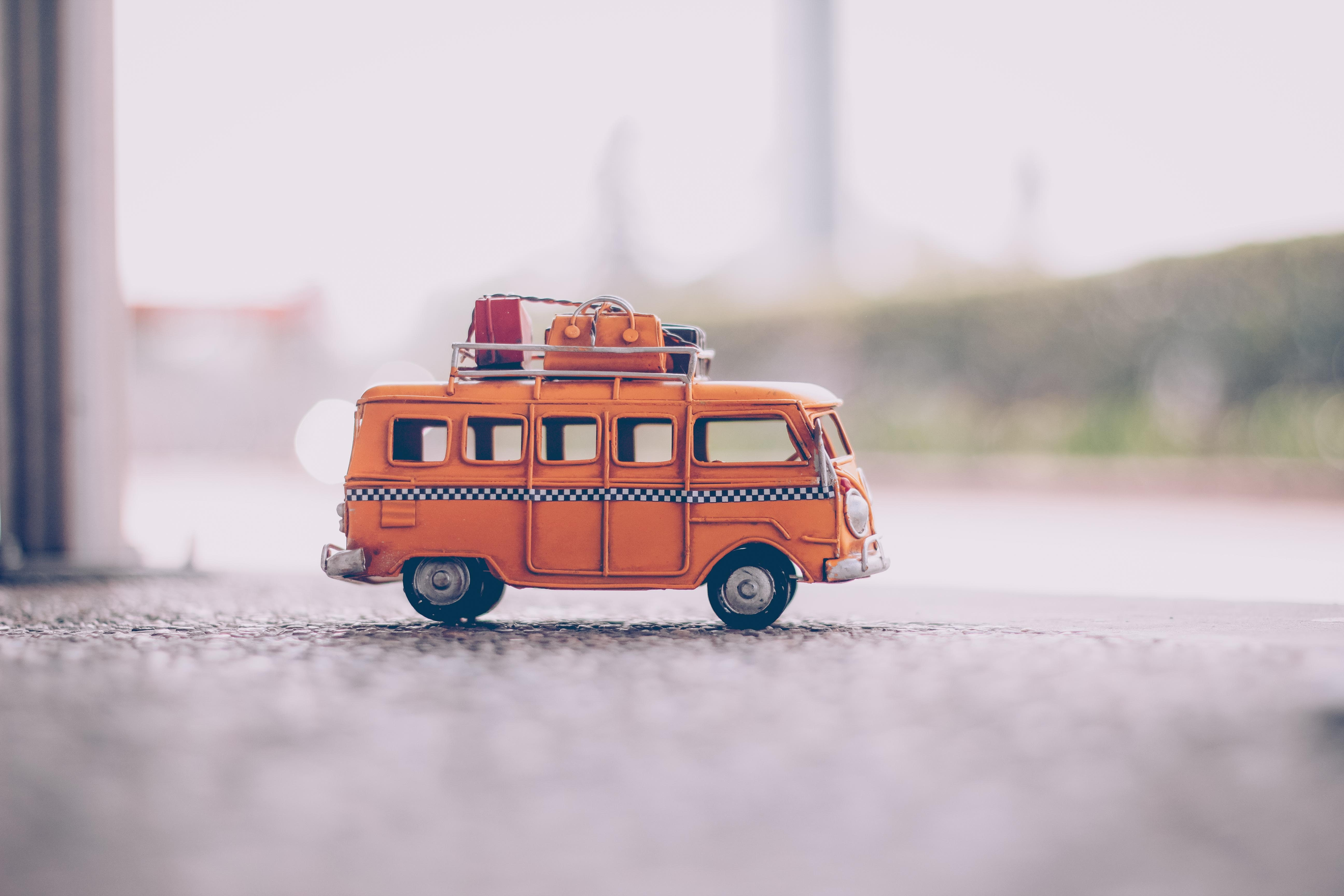 don't fall behind in your learning as a social media digital agency. run up and try to catch the bus!